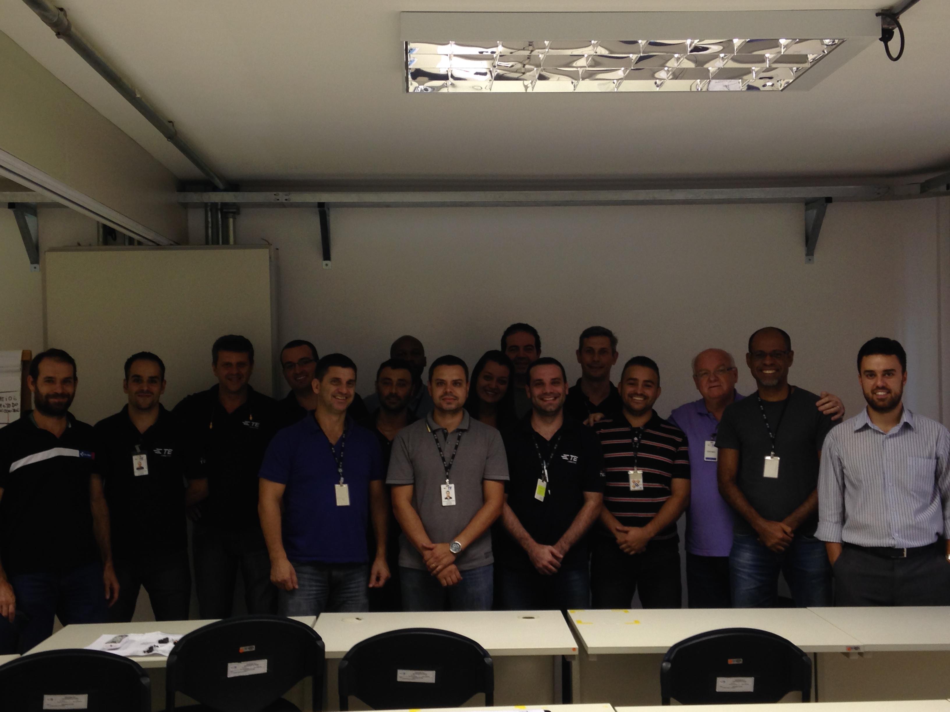 Equipe II Tyco Electronics no curso de FMEA de projetos e processos.