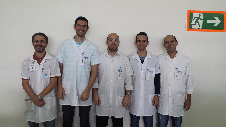 Equipe da U_SHIN da engenharia de produtos e processos no trabalho de coaching em FMEA, com utilização do Software especifico. (Agosto/16)