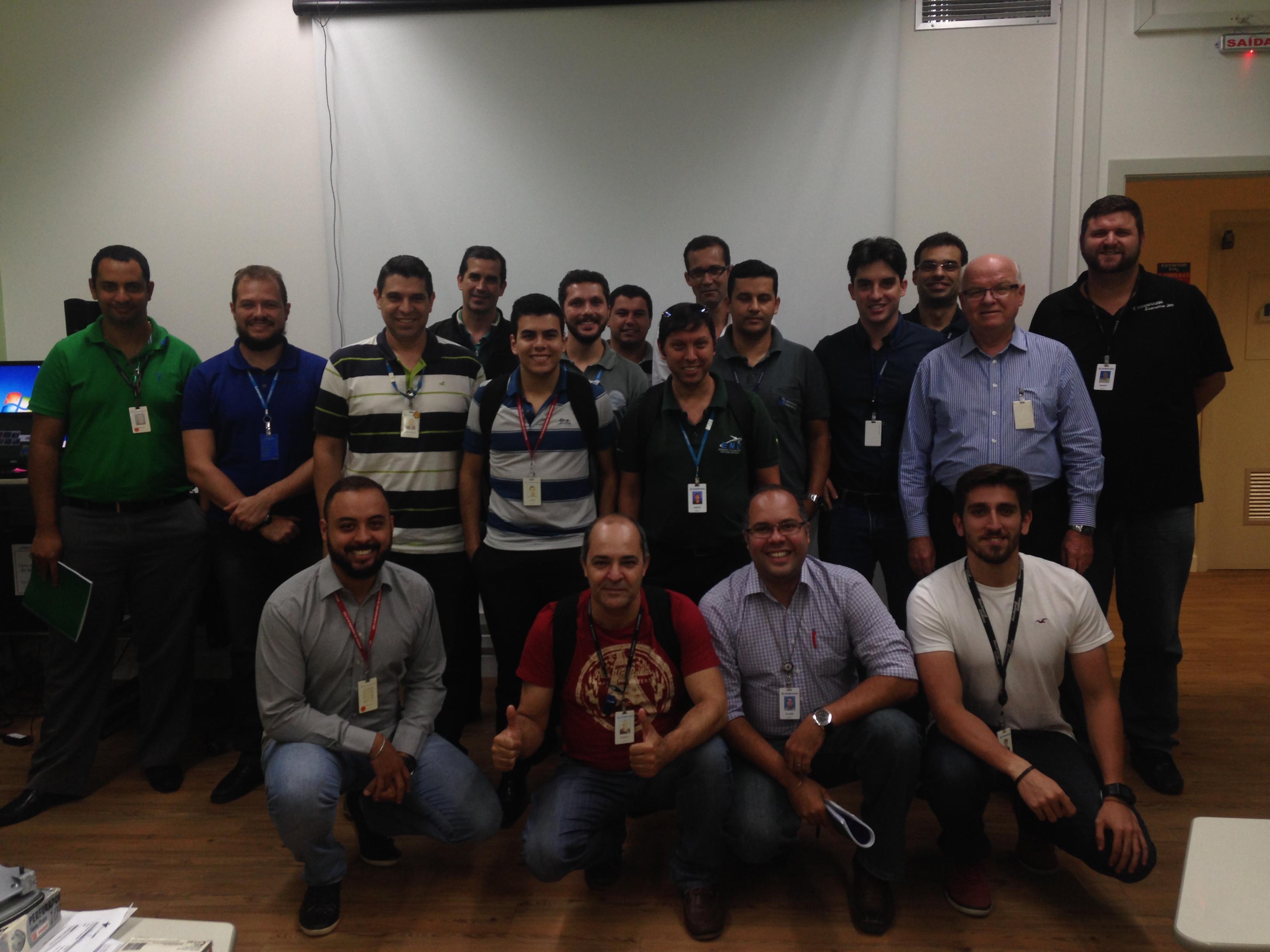 Equipe da Embraer de São José dos Campos no curso de Engenharia e Análise do Valor. 20/03/17